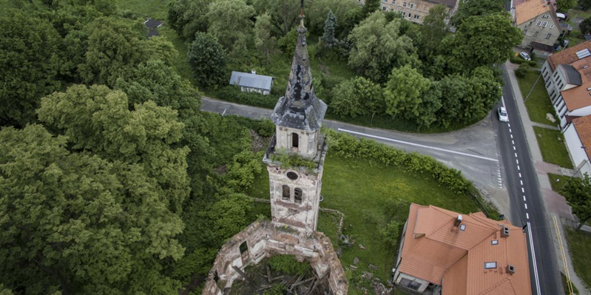 Ruiny kościoła, Unisław Śląski. 2014 r.