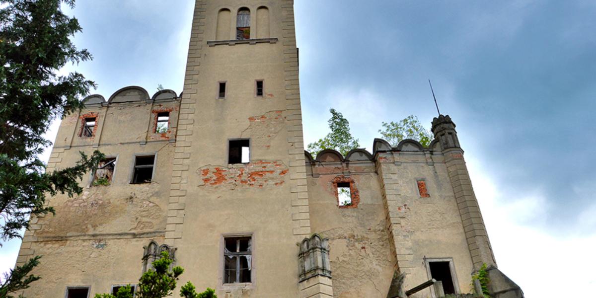 Ruiny pałacu, Ratno Dolne. 2013 r.