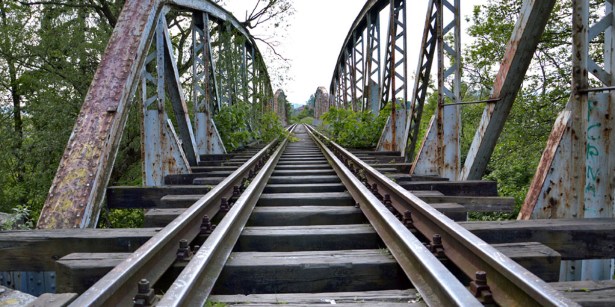 Nieczynny wiadukt kolejowy, Kamienna Góra. 2014 r.