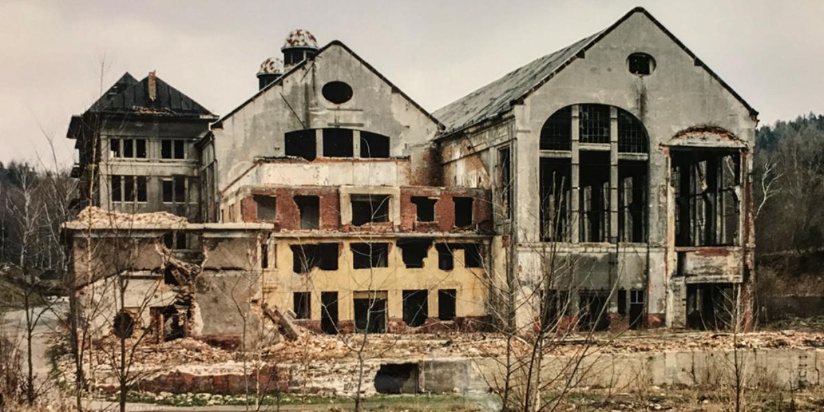 Ruiny elektrowni, Ludwikowice Kłodzkie. 2004 r.