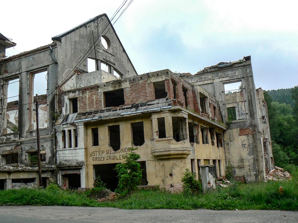 Ruiny elektrowni, Ludwikowice Kłodzkie. 2007 r.