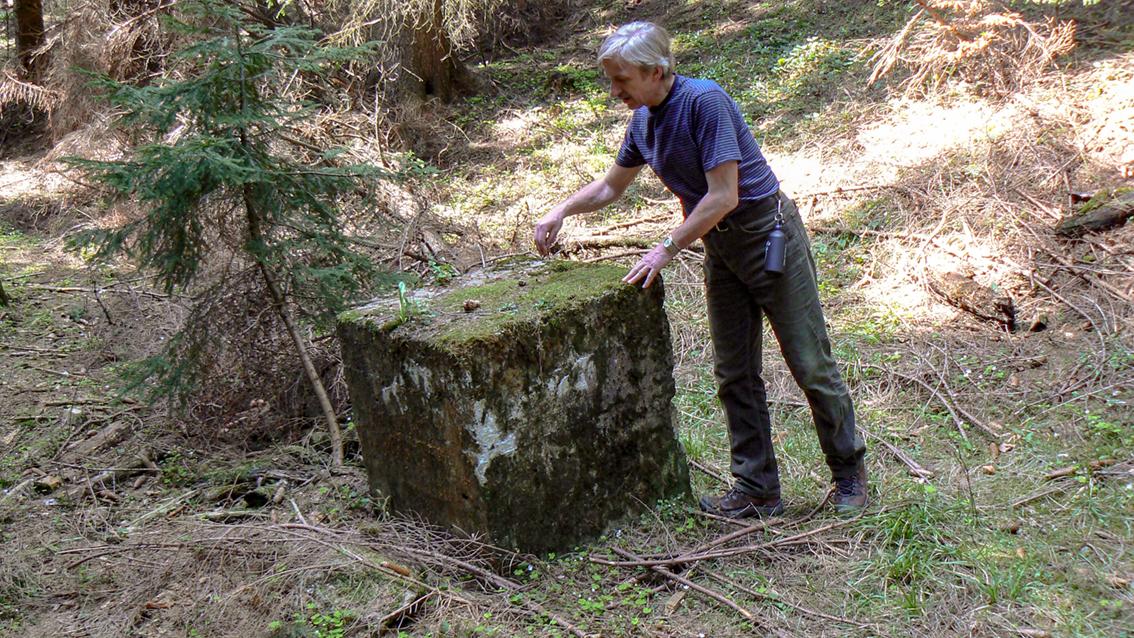 Betonowe znaleziska po drodze do sztolni 3 i 4. Gontowa 2008 r.