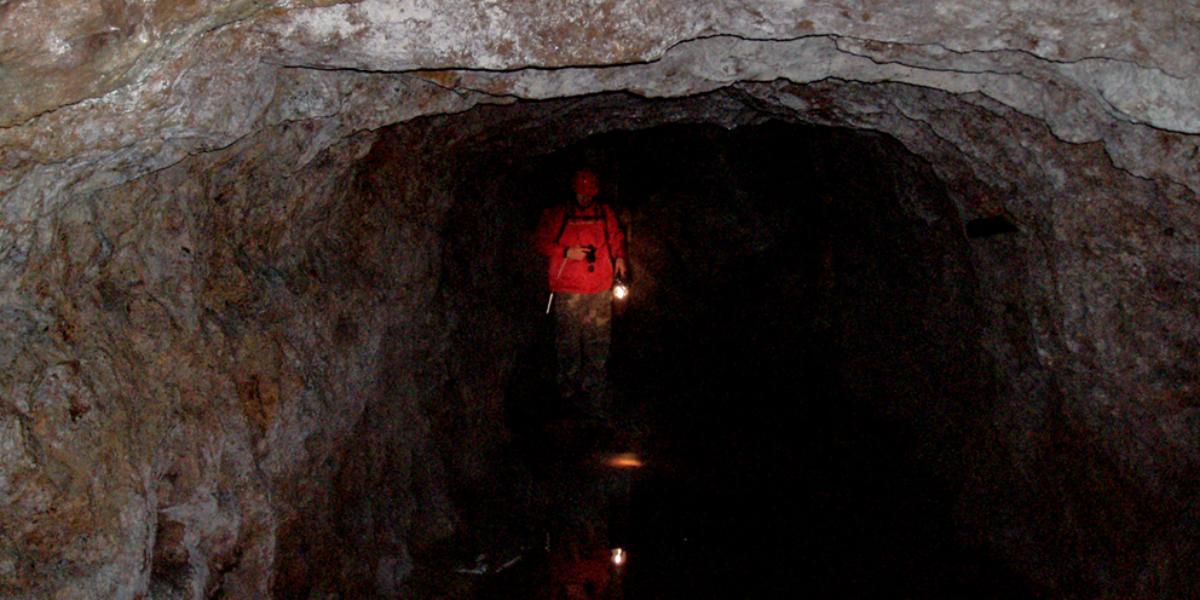 W wnętrzu sztolni nr 2. Gontowa 2008 r.