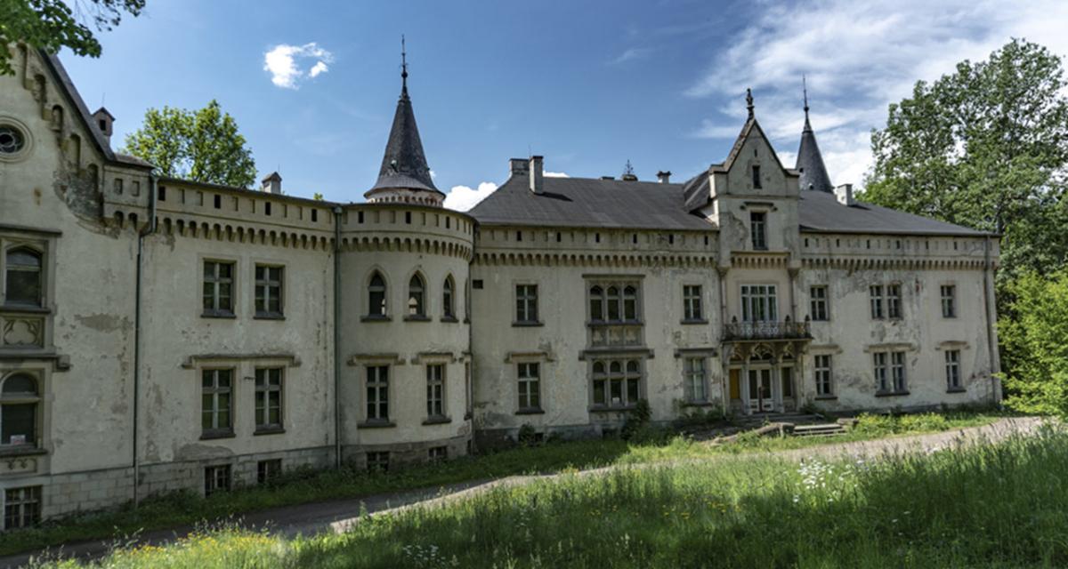 Pałac w Szalejowie Dolnym, czerwiec 2019 r.