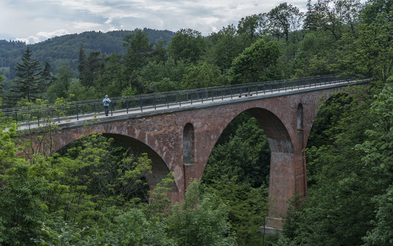 Zmodernizowany wiadukt kolei swoiogórskiej, czerwiec 2019 r.